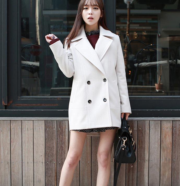 เสื้อโค้ทกันหนาวผู้หญิง สีขาว คลุมสะโพก ใส่เที่ยวต่างประเทศสวยๆ