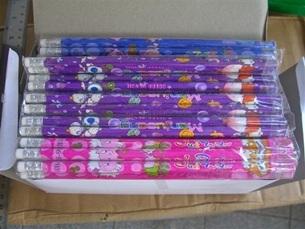 ดินสอเหลาไม้การ์ตูน144แท่ง120บาท
