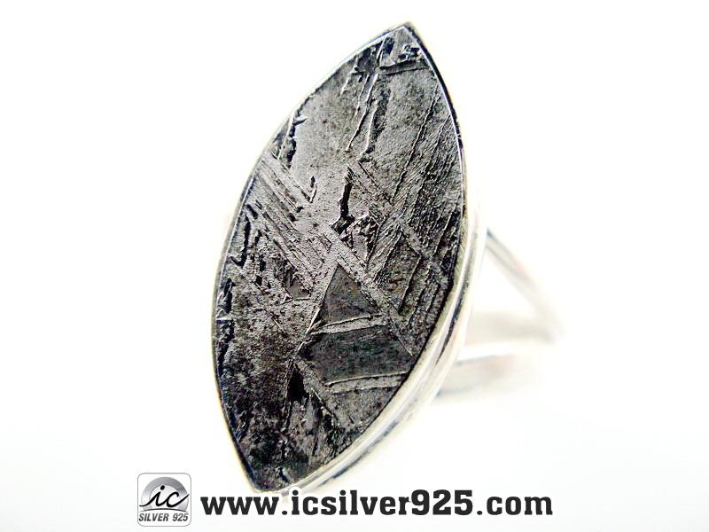 ▽หินดาวตกกีเบียน GIBEON METEORITE-แหวนเงินแท้ 925 (แหวนเบอร์ : 52, 4g)