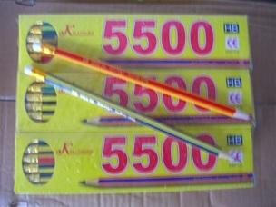 ดินสอเหลาเหลี่ยมหัวยางลบ 12แท่ง 17 บาท
