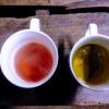 การดื่มชา น้ำร้อนในตอนเช้าๆ