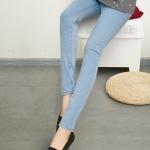 เลคกิ้งคนท้อง P29 สี light blue jean มีผ้าพยุงครรภ์และสายปรับเอว ราคาส่ง 490 บาท
