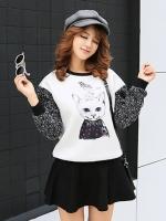 เสื้อกันหนาวแฟชั่นเกาหลี แขนยาว ลำตัวสีขาวพิมพ์ลายแมวน่ารักๆ แขนยาวจั๊มปลาย แขนจะเป็นผ้าไหมพรมทอผสมเลื่อมระยิบระยับ เอวจั๊มยืด