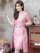 ชุดเดรสออกงาน ชุดไปงานแต่งงานสีชมพู เดรสลูกไม้เข้ารูปสวยหรู + แถมเข็มขัดผ้าไหมระบายข้าง สามารถถอดได้