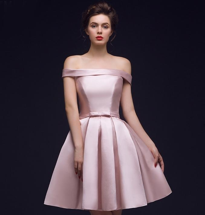 ชุดเดรสออกงาน/ชุดไปงานแต่งงานสีชมพู เปิดไหล่ ผ้าไหมอิตาลี สวยๆ เรียบ หรู