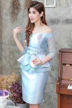 ชุดเดรสออกงาน ชุดไปงานแต่งงานสวยหรูสีฟ้า คอปาดเปิดไหล่
