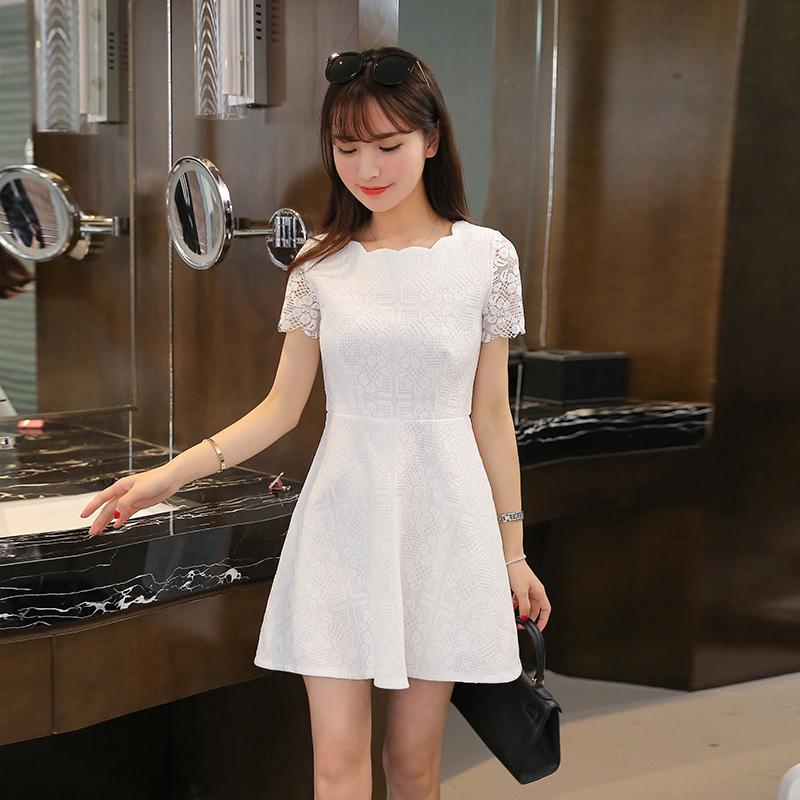 ชุดเดรสสีขาวมาใหม่ราคาถูก