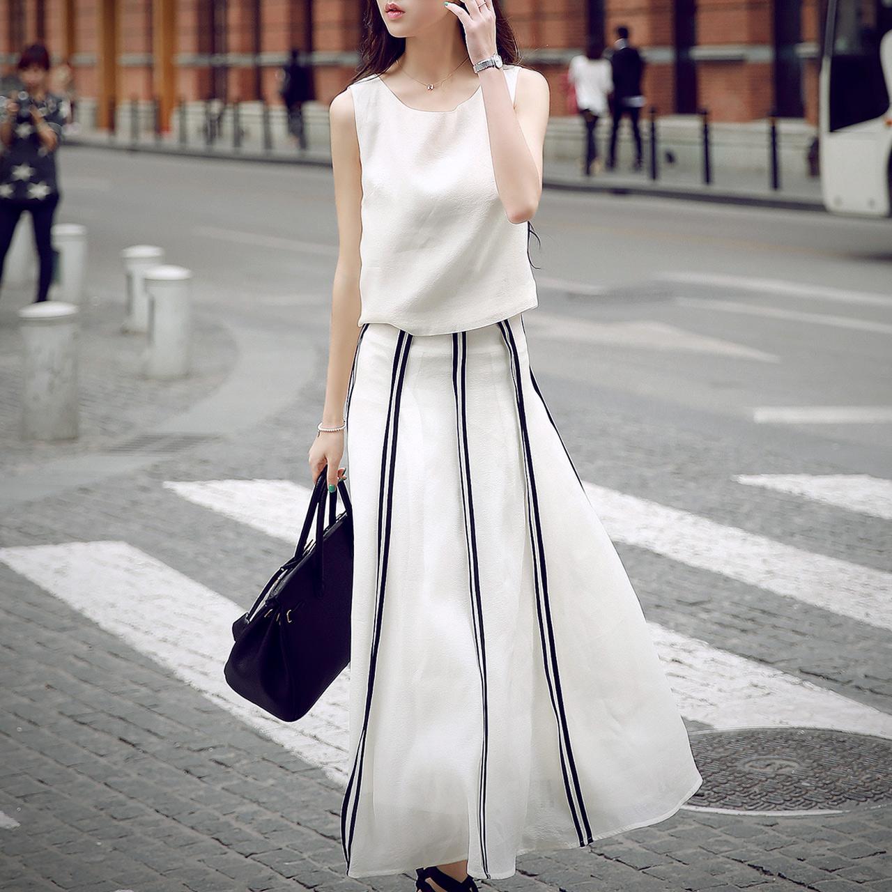 ชุดเดรสสีขาวมาใหม่