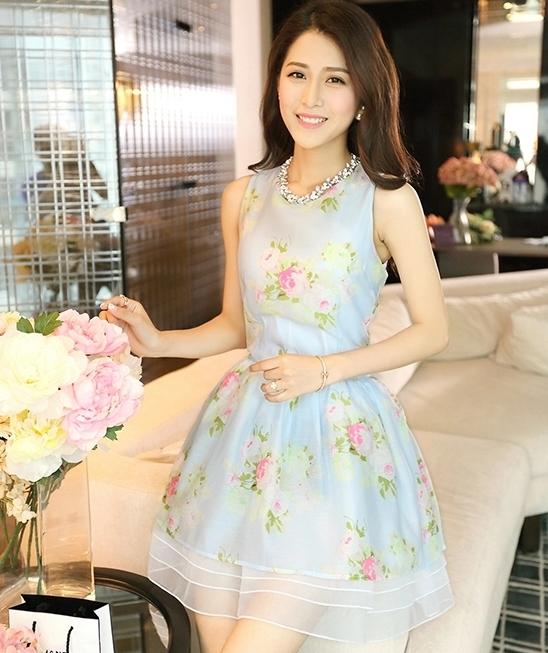 ชุดเดรสสั้นน่ารักสีฟ้า ลายดอกไม้ ผ้าใยแก้ว คอกลม แขนกุด เอวเข้ารูป กระโปรงทรงสุ่ม ซับใน ซิปหลัง ไซส์ XL