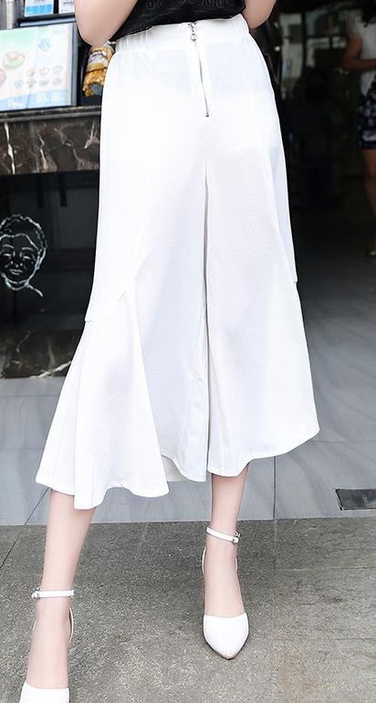 กางเกงขากว้างสีขาว