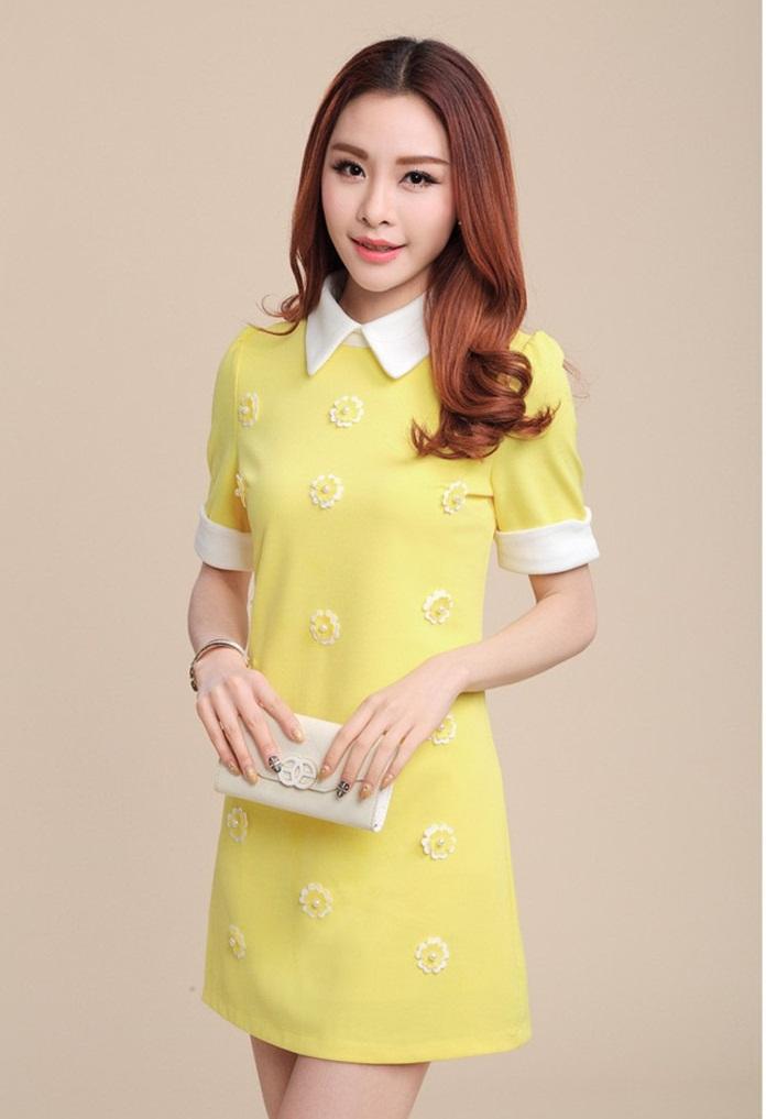 ชุดเดรสทำงานน่ารักแนวเกาหลี สีเหลือง ทรงตรง แต่งดอกไม้ คอปก แขนสั้น ผ้าโพลีเอสเตอร์ ซิปหลัง