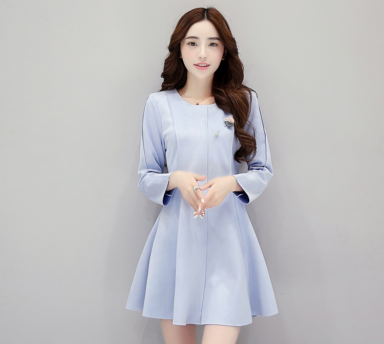 ชุดเดรสสั้นสีฟ้า แขนยาว แนวเรียบๆ สวยน่ารัก ดูดี สไตล์เกาหลี