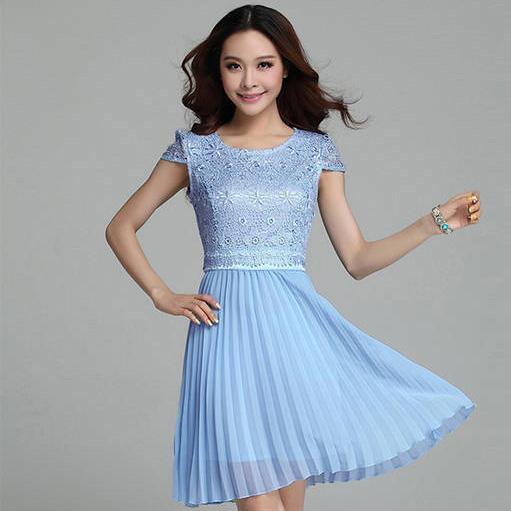 ชุดไปงานแต่งงาน/ชุดออกงานสีฟ้า เดรสสั้นผ้าลูกไม้ แขนสั้น เย็บต่ด้วยประโปรงผ้าชีฟองอัพพลีท แนวสวยหวาน เรียบๆ ดูดี