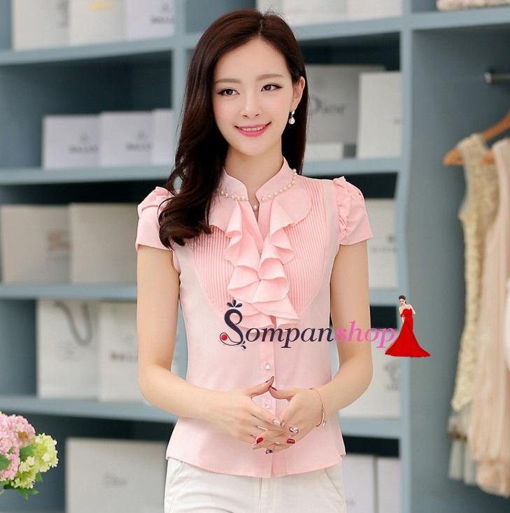 เสื้อทำงานสีชมพู ผ้าชีฟอง แขนสั้น คอเสื้อปักด้วยมุก แต่งระบายน่ารักๆ