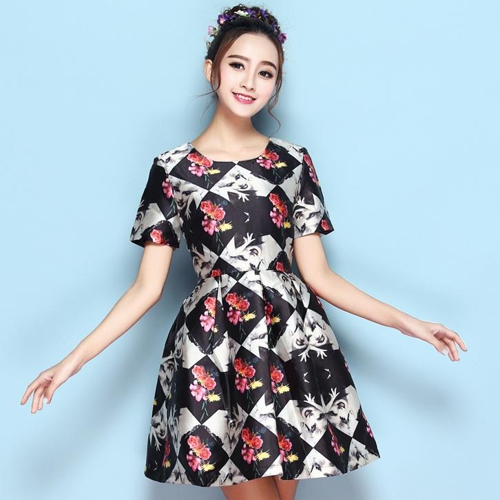 ชุดเดรสสั้นสีดำ พิมพ์ลายน่ารักๆ แขนสั้น เรียบสวยหวาน น่ารัก สไตล์เกาหลี