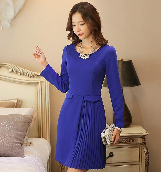 ชุดเดรสทำงานผู้หญิงสีน้ำเงิน แขนยาว กระโปรงด้านข้างอัดพลีทสวยเก๋ เนื้อผ้าดี เรียบร้อยสุภาพ สวย ดูดี เป็นทางการ สไตล์เกาหลี