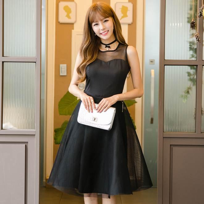 ชุดเดรสสั้นสีดำ แขนกุด กระโปรงบาน สวยหวาน น่ารักๆ แฟชั่นสไตล์เกาหลี