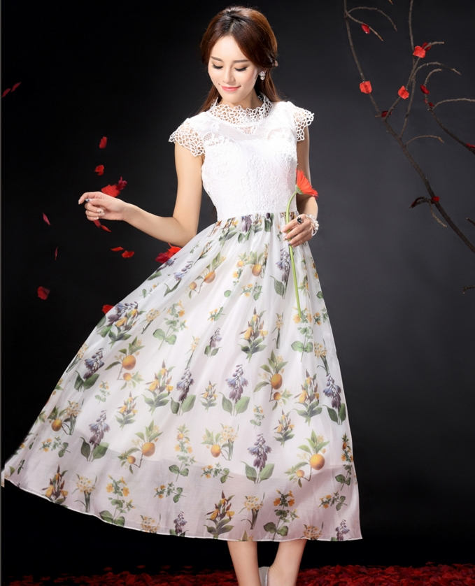 ชุดเดรสยาวโทนสีขาว ผ้าลูกไม้ + ผ้าชีฟอง ลายดอกไม้ แนวเรียบร้อย สวยหวาน ดูดี
