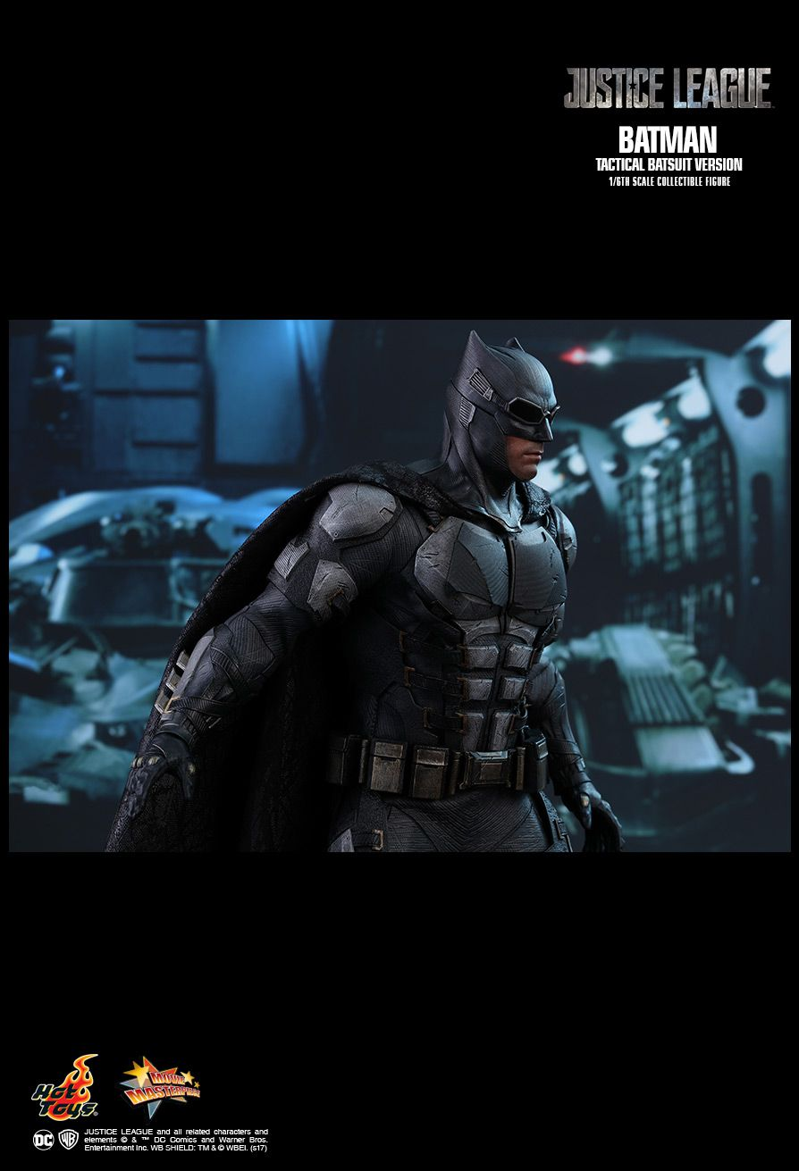HOT TOYS 1/6 BATMAN (TACTICAL BATSUIT VERSION)