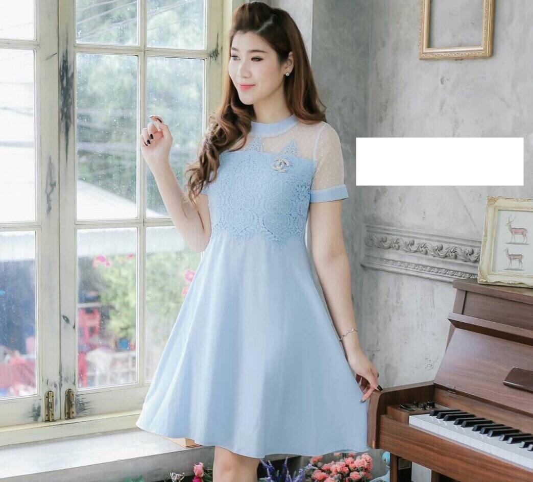 ชุดเดรสสีฟ้าสวยหวาน น่ารักๆ คอกลม แขนสั้น แต่งลูกไม้ กระโปรงทรงสวิง ใส่เป็นชุดออกงาน ใส่ไปงานแต่งงาน