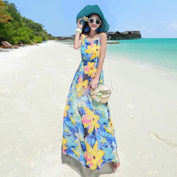 ชุดเดรสยาวไปเที่ยวทะเลโทนสีฟ้า เหลือง ลายดอกไม้ ผ้าชีฟอง