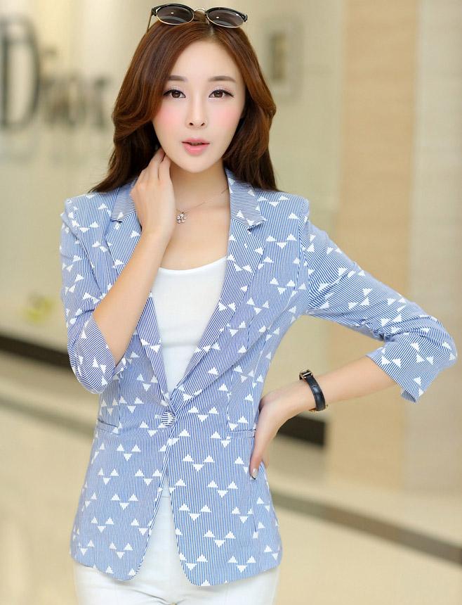 เสื้อสูททำงานผู้หญิง สีน้ำเงิน ลายน่ารักๆ คอปก แขนยาว กระดุม 1 เม็ด ผ้าคอลตอล