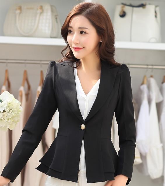 เสื้อสูทผู้หญิงสีดำ ทรงสวย ชายเสื้อแต่งระบายสองชั้น ติดกระดุม แขนยาว ผ้าฮานาโกะ