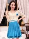 ชุดไปงานแต่งงานกลางวันสวยๆ สีฟ้า เสื้อลูกไม้สีเบจ คอกลม แขนสามส่วน เย็บต่อด้วยกระโปรงสั้นผ้าชีฟองอัดพลีทน่ารักๆ มีซิปข้าง