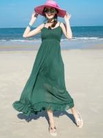 ชุดไปเที่ยวทะเล เดรสยาวสีเขียว สายเดี่ยว ลุคเรียบๆ สวย ดูดี