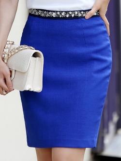 กระโปรงสั้นสีน้ำเงิน ทรงเอเข้ารูป เอวแต่งคริสตรัลสวยๆ