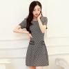 ชุดเดรสสั้นลายจุดโทนสีขาว ดำ ทรงเข้ารูป แขนสั้น แนวสวยๆ น่ารัก สไตล์เกาหลี