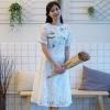 ชุดเดรสลูกไม้สีขาว ปักลายดอกไม้น่ารักสดใส คอกลม แขนสั้น กระโปรงบาน