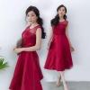 ชุดออกงาน ชุดไปงานแต่งงานสีแดง สวยหรู ผ้าไหมอิตาลี แขนกุด กระโปรงบานทรงเจ้าหญิง