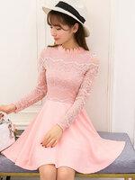 ชุดเดรสสั้นสีชมพูโอรส คอแต่งลูกไม้ แขนยาว ผ้าลูกไม้ แฟชั่นสไตล์เกาหลีสวยๆ น่ารักๆ