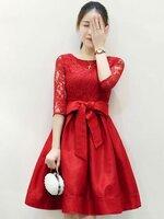 ชุดเดรสสีแดง ผ้าลูกไม้ผสมผ้าไหมเกาหลี แขนยาว ลุคเรียบๆ สวยหรูดูดี ใส่ไปงานแต่งงาน งานเลี้ยง ธีมสีแดง