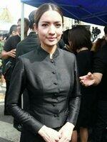 ชุดไทยจิตรลดาสีดำ กระดุมหน้า ไหล่เรียบ + กระโปรงถุงป้าย ตามแบบแอฟ ทักษอร [ พร้อมส่ง ]