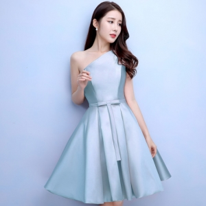 ชุดออกงานสีฟ้า ไหล่เฉียง กระโปรงทรงบาน สวยหรู น่ารัก สไตล์เจ้าหญิง
