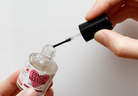 TAMIYA MATTE VARNISH Quality brush on the cap enables easy application.