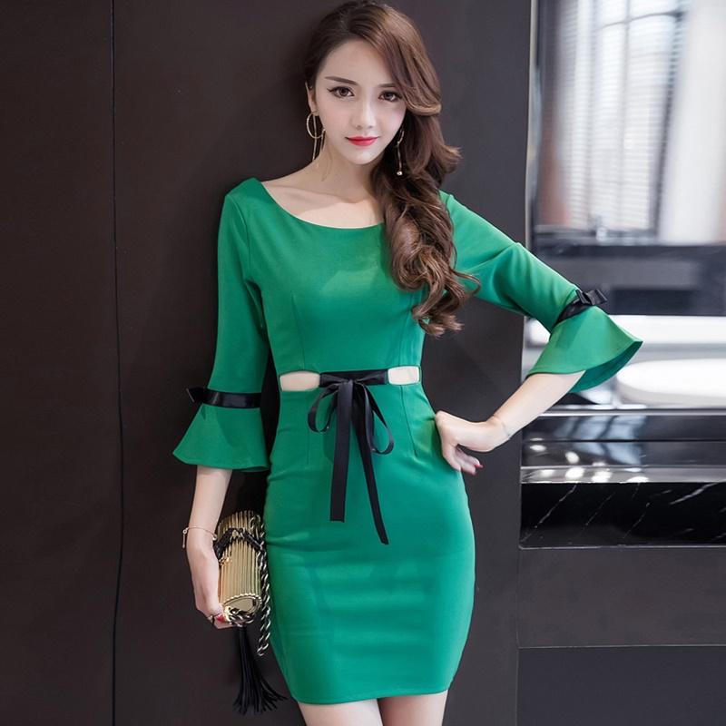 ชุดเดรสสีเขียวมาใหม่น่ารัก