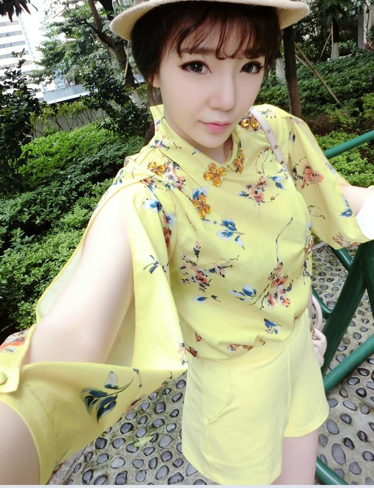 ชุดเซตเสื้อกางเกงสีเหลือง เสื้อแขนยาวผ่าแขนลายดอกไม้ + กางเกงขาสั้น