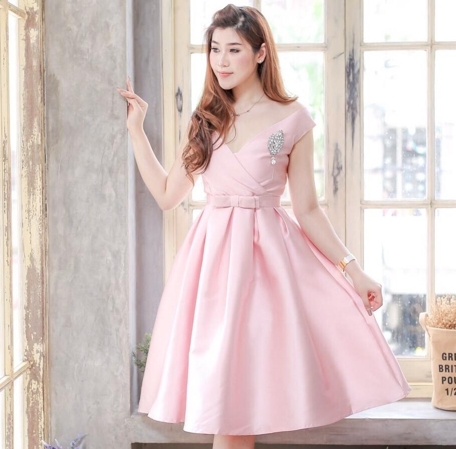 ชุดออกงาน ชุดไปงานแต่งงานสีชมพู ผ้าไหมอิตาลีสวยหรู คอวี กระโปรงบานทรงเจ้าหญิงสวยหวาน ดูดี