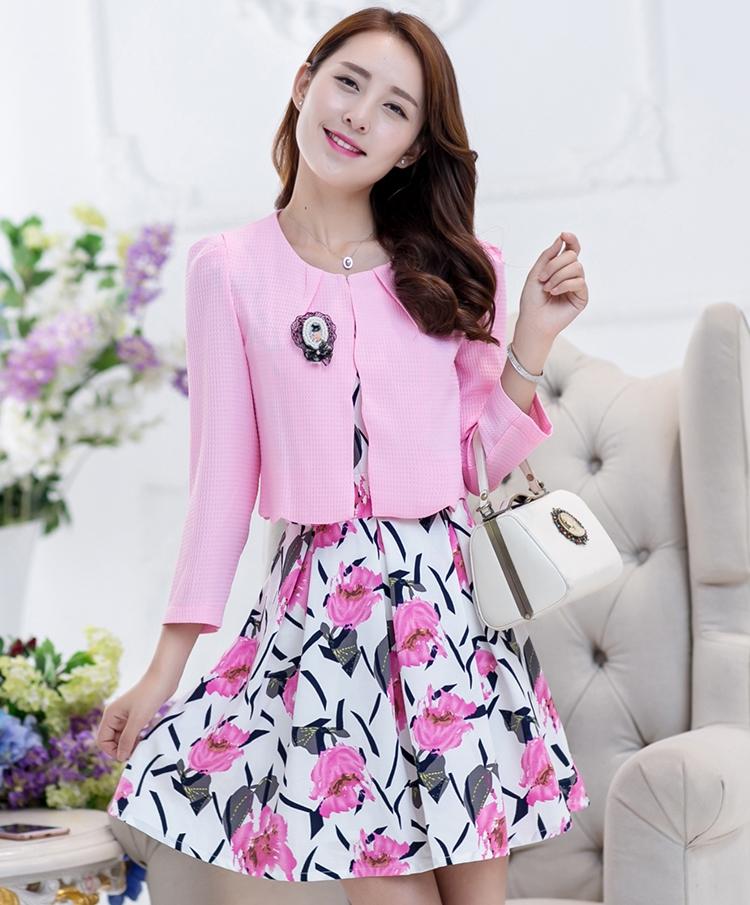 ชุดทำงานออฟฟิศสวยๆ เซ็ทเสื้อสูทสีชมพู + ชุดเดรสพิมพ์ลายน่ารักๆ